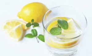 water drink fresh lemons-6 Ways to stay lean on the go